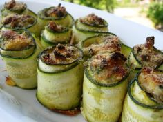 Zucchine Carpacio ~ Tonno e Zucchine Tuna and Zucchini) Greek Recipes, Fish Recipes, Paleo Recipes, Appetizer Recipes, Recipies, Appetizers, Zucchini Rolls, Decadent Food, Salty Foods
