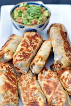 Baked and healthy Southwestern Eggrolls.these actually get crispy! Can add chic Baked and healthy Southwestern Eggrolls.these actually get crispy! Can add chicken for extra protein to make a meal. Made about 16 egg rolls! Source by Think Food, I Love Food, Southwest Egg Rolls, Healthy Snacks, Healthy Recipes, Dinner Healthy, Breakfast Healthy, Healthy Appetizers, Healthy Cooking