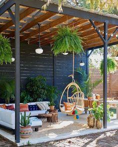 Cozy small backyard gazebo ideas for your landscaping Backyard patio furniture Backyard Gazebo, Garden Gazebo, Backyard Patio Designs, Pergola Designs, Pergola Patio, Backyard Landscaping, Deck Design, Patio Ideas, Pergola Kits