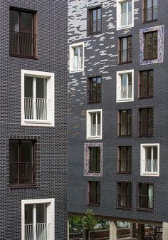 Contrasting Brick: 7