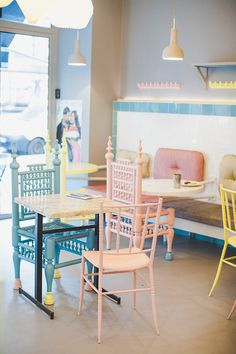 Maha Café     72 bd Saint-Germain     75005 Paris        Saint-Michel/Odéon     Phone number +33 1 43 54 26 07