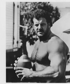 Lyle Alzado barechested Vintage Photo Zapped Again Football Season, Football Players, Raiders Stuff, Oakland Raiders Football, Football Girls, Raider Nation, School Sports, Video News, American Football