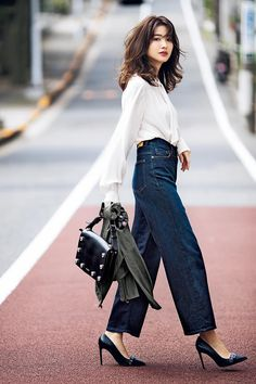 smart outfits, You can collect images you discovered organize them, add your own ideas to your collections and share with other people. Fashion 101, Japan Fashion, Work Fashion, Fashion Beauty, Fashion Outfits, Womens Fashion, India Fashion, Classy Work Outfits, Casual Outfits