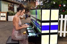 Myleene Klass plays Samsung's Galaxy Tab S2 piano