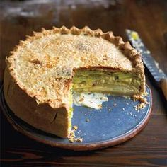 Creamy leek, potato and Gruyère pie. It  is a great alternative to a meat pie.
