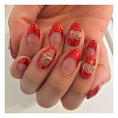 New nails❤️⚡️❤️⚡️❤️⚡️ 秋・冬は特に赤な気分。  #nails #red #star #holo #glitter #french #nailart #girl #fashion #fall #winter #cool #beauty #instabeauty #blog #beautyblog  #asian #LA #ネイル