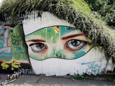 Collection of great graffiti art, life is beautiful when art is all around us! See more graffiti art, street art, urban art from graffiti artist Mr Pilgrim. 3d Street Art, Street Art Utopia, Best Street Art, Amazing Street Art, Street Art Graffiti, Street Artists, Amazing Art, Amazing Eyes, Beautiful Eyes
