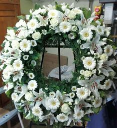 Funeral Flower Arrangements, Funeral Flowers, Wedding Car Decorations, Grief, Floral Design, Centerpieces, Floral Wreath, Wreaths, Flower Headdress