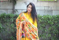 Phulkari Dupatta With Plain Suits Look For A Festive Outfit OOTD Check more at http://www.beautyscoopindia.com/phulkari-dupatta-plain-suits-look-festive-outfit-ootd/