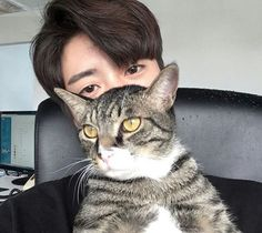 Ulzzang Boy Animal Pet Cat Natural Light