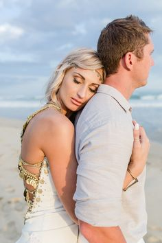 Beach Bohemian Wedding | SouthBound Bride | http://www.southboundbride.com/beach-bohemian-wedding-at-de-vette-mossel-by-anina-harmse | Credit: Anina Harmse
