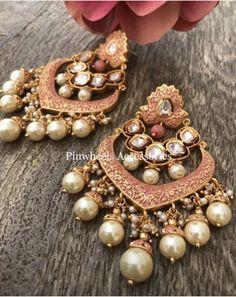 Indian Jewelry Earrings, Jhumki Earrings, Jewelry Design Earrings, Gold Earrings Designs, India Jewelry, Fashion Earrings, Jewelery, Bridal Jewellery Inspiration, Stylish Jewelry