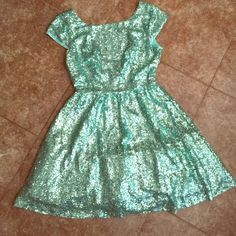 Mint sequin party/ cocktail dress Gorgeous seafoam Green Party dress. Worn once! Brand new condition. Low back and very flattering. Perfect for a night out or special occasion. Size 11/12, brand: Windsor WINDSOR Dresses