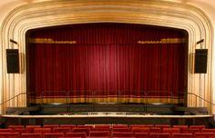 La confección de telones para teatros sigue un riguroso proceso de controles de calidad y un manual que evoluciona para detectar posibles deficiencias y así crear mejoras en los acabados y en la propia materia prima. Consúltenos su proyecto en www.telonesmadisson.net
