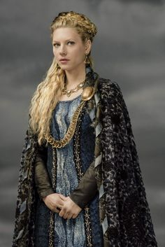 viking Promo | Katheryn Winnick – Vikings Season 3 Promo Photos