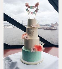 white and pale turquoise wedding cake ~  we ❤ this! moncheribridals.com