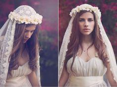 Complementos vintage de Royal Couture. #novias www.webnovias.com