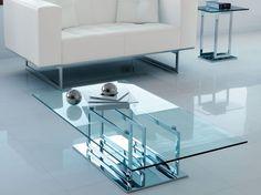 I tavolini da salotto arredano e definiscono lo stile della tua zona living, ma come vanno scelti?  www.arredamento.i... #tavolini #salotto #zonaliving #consigli
