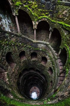 Quinta de Riguilera in Portugal. The initiation Wells are two wells, a larger one and a smaller one, that descend into the ground like underground towers lined with stairs. These wells do not serve as water sources, but were purely recreational, serving in Tarot initiation rites.  Of the two wells, the larger one contains a 27 meter spiral staircase spaced by small landings. The spacing of these landings, combined with the number of steps in the stairs are linked to Tarot mysticism.