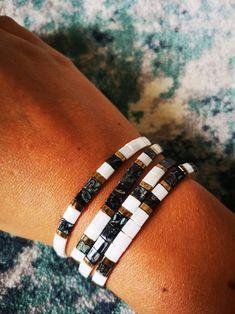 Bracelets Design, Bead Loom Bracelets, Bracelet Crafts, Jewelry Design, Choker, Diy Jewelry Inspiration, Embroidery Jewelry, Bijoux Diy, Bracelet Tutorial