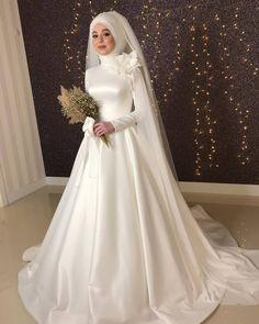Muslim Wedding Gown, Arabic Wedding Dresses, Muslimah Wedding Dress, Muslim Wedding Dresses, Wedding Dress Organza, Hijab Bride, Bride Gowns, Bridal Wedding Dresses, Dream Wedding Dresses