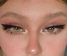Cute Makeup Looks, Makeup Eye Looks, Eye Makeup Art, Pretty Makeup, Skin Makeup, Eyeliner Makeup, Cute Eye Makeup, Soft Eye Makeup, Eyeliner Liquid