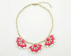 TO PRE_ORDER ONLY Due Date 17th May   New Arrival Bea-Gorgeous Fuchsia Sparkle Necklace    A Vintage Design on a Antique Bronze Link Chain  Chain Size: 44cm approx  Necklace Pendant Size:5.7x4cm approx