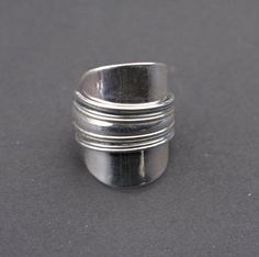 Margit, hopeasormus Fork Jewelry, Spoon Bracelet, Coin Ring, Jewerly, Silver Rings, Crafts, Collections, Jewelery, Jewelry