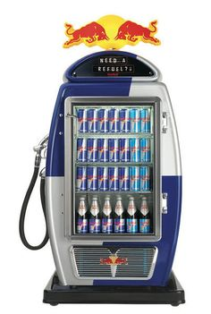 Refuelling with Red Bull 13 Brilliantly Clever Point Of Sale Displays Drink Display, Pos Display, Bottle Display, Display Design, Booth Design, Banner Design, Red Bull, Point Of Sale, Point Of Purchase