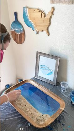 Epoxy Resin Art, Diy Resin Art, Diy Resin Crafts, Diy Art, Beach Themed Crafts, Ocean Crafts, Beach Crafts, Easy Crafts To Sell, Acrylic Pouring Art