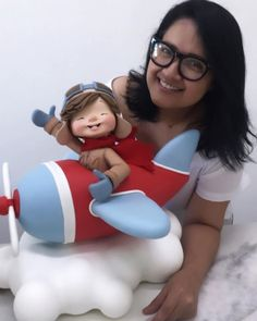 A imagem pode conter: 1 pessoa Planes Birthday, Baby Birthday Cakes, Polymer Clay Sculptures, Polymer Clay Art, Toy Story Room, Kawaii Diy, Cartoon Boy, Cute Clay, Sugar Art