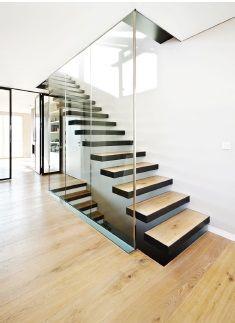 escaleras de madera de roble.  Paumats.