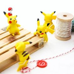 PUTITTO Pikachu (random) -Country or origin : China material: pvc size: 45~75mm randomly shipped qty:1