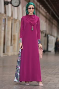Renklerevi Tesettür Giyim ~ Nilüfer Kamacıoğlu Fuşya Mendil Yaka Abaya Elbise