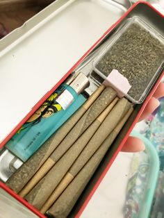Wiz Khalifa Smoking, Bad Girl Aesthetic, The Wiz, Trippy, Weed, Drugs, Have Fun, Rolls, Glow