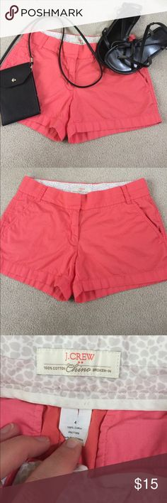 """J crew chino short Melon color.  Broken in chino, size 4.  Zipper closure.  Two front pockets.  Waist measures 15.5"""" across.  Length is 3"""".  Perfect condition.  I love to bundle.  Please do not hesitate to make an offer. J. Crew Shorts"""