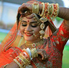 23 Ideas For Photography Studio Fashion Makeup Indian Bride Poses, Indian Wedding Poses, Indian Wedding Couple Photography, Indian Bridal Photos, Wedding Couple Photos, Bride Photography, Fashion Photography, Mehendi Photography, Digital Photography