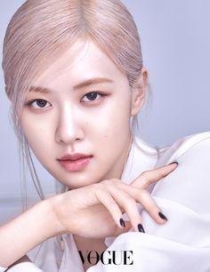 Foto Rose, Ysl Beauty, Rose Icon, Rose Park, Vogue Korea, Model Face, Black Pink Kpop, Blackpink Photos, Kpop Girls