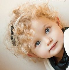 🧡blonde curls-very cute-there is just too--many--cute-beautiful babies out there💙🧡💛💜 Cute Little Baby, Baby Kind, Little Babies, Baby Love, Cute Babies, Precious Children, Beautiful Children, Beautiful Babies, Kind Photo