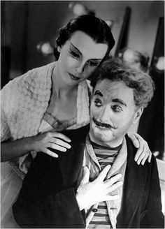 Claire Boom and Charlie Chaplin in Les Feux de la rampe / Limelight (Charles Chaplin, 1952)