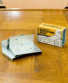 賃貸でもOKなDIY棚作り。「PILLAR BRACKET」で空間を自由にデザインしよう! | キナリノ Diy Store, Space Interiors, Japanese House, Housekeeping, Inventions, Shelving, Diy And Crafts, Household, Workshop