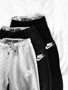 Nike sportswear essential womens fleece pants nike com cuteoutfits adidas originals superstar pk prime noble metals pack sneakers graumeliert adidas Cute Lazy Outfits, Cool Outfits, Cute Outfits With Sweatpants, Sporty Outfits Nike, Grey Nike Sweatpants, Winter Outfits, Swag Outfits, Nike Outfits Tumblr, Comfy Teen Outfits