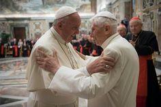 Der emeritierte Papst Benedikt XVI. sieht einem Medienbericht zufolge die…