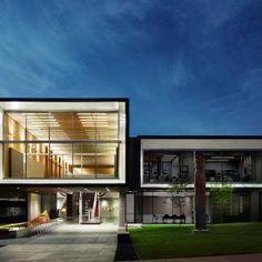 Wc_Office Building_North Vancouver_[North Vancouver City Hall]_mcfarlane green biggar ARCHITECTURE + DESIGN