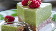 Avocado, lime and coconut 'cheese' cake with raspberry and passionfruit