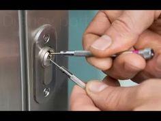 Ouvrir une serrure cassée 06 25 46 70 89 www.artisan-serrurie- pas-cher.com - YouTube
