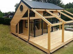 Organic Gardening Supplies Needed For Newbies Architecte : Patrick Ballester Maisons Ossature Bois Daction 2000 - France 30 Shed Plans, House Plans, Barn Plans, Garage Plans, Casas Containers, Tiny House Design, Cabin Design, House In The Woods, Woodworking Plans