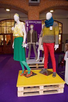 Pallet display
