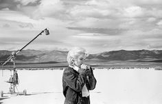 #MarilynMonroe on set of The Misfits. An instantly recognizable image from an iconic contact sheet available as part of our Seasonal Benefit for the International Committee of the Red Cross. Link in Bio. ( #EveArnold/ #MagnumPhotos) #ICRCxMagnumPhotos by magnumphotos