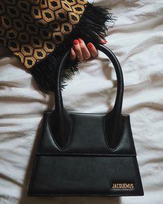 Salvatore Ferragamo, Handbag Accessories, Fashion Accessories, Jacquemus Bag, Celine, Brand Name Bags, Prada, Mini, Designer Wallets